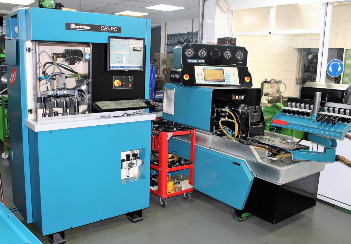 Maquinaría en el interior de las instalaciones de Auto-Inyección Vicente